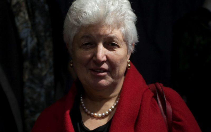 Mme Shelagh LESTER-SMITH, nouvelle présidente de «Pour le Pays d'Apt, un hôpital d'avenir»